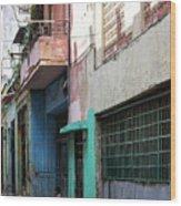 Alley In Cuba Wood Print