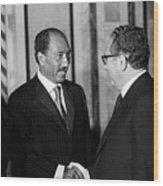 Anwar Sadat And Henry Kissinger Wood Print