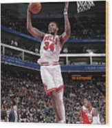 Chicago Bulls V Sacramento Kings Wood Print