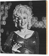 Country Singer Dolly Parton In Concert Wood Print