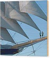 Couple On Bowsprit Of Sailing Ship Wood Print