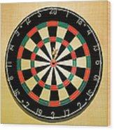 Dart In Bulls Eye On Dart Board Wood Print