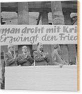 East German Ministers Applauding Wood Print