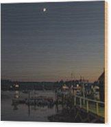 Half Moon Over Hide-away Area Wood Print