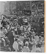 Homecoming Parade For Korean War Wood Print
