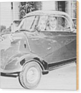 Janet Leigh And Tony Curtis In Minicar Wood Print