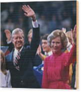 Jimmy Carter And Family Waving Wood Print