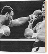 Joe Frazier Throwing Punch At Muhammad Wood Print