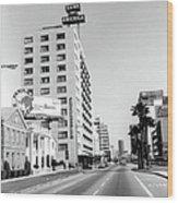 Looking East On Wilshire Boulevard Wood Print