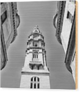 Looking Up - City Hall Court Yard In Black And White Wood Print