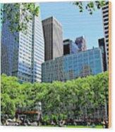 Lunch Break In Manhattan Wood Print