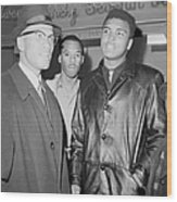 Malcolm X Left With Cassius Marcellus Wood Print