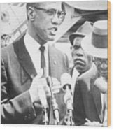 Malcolm X Speaking To The Press Wood Print