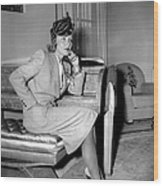 Marlene Dietrich Arriving In New York Wood Print