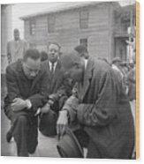 Martin Luther King Jr. Praying Wood Print
