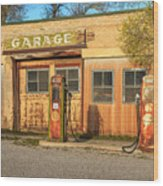 Old Service Station In Rural Utah, Usa Wood Print