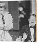 President Reagan Laughing At Queens Wood Print