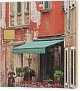 Restaurant In Venice Wood Print