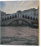 Rialto  Bridge At Sunrise Wood Print