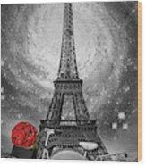 Romance At The Eiffel Tower Wood Print