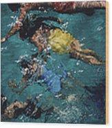 Swimming In The Bahamas Wood Print