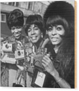The Supremes With Cameras In London Wood Print