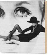 Twiggy Swinging 60's - Pop Art Wood Print