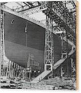 Titanic In Belfast Dry Dock 1911 Wood Print