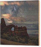 Turret Arch  And Tree Wood Print