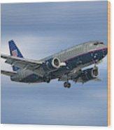 United Airlines Boeing 737-522 Wood Print