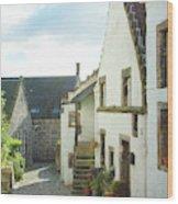 village cobbled lane in Culross Wood Print