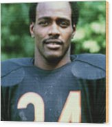 Walter Payton Of The Chicago Bears Wood Print