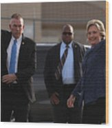 Hillary Clinton Holds Early Voting Rallies In Iowa Wood Print
