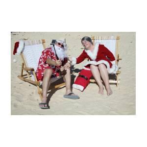 e4326c54 Santa And Mrs Claus Taking Selfie On Beach Photograph by Karen Foley